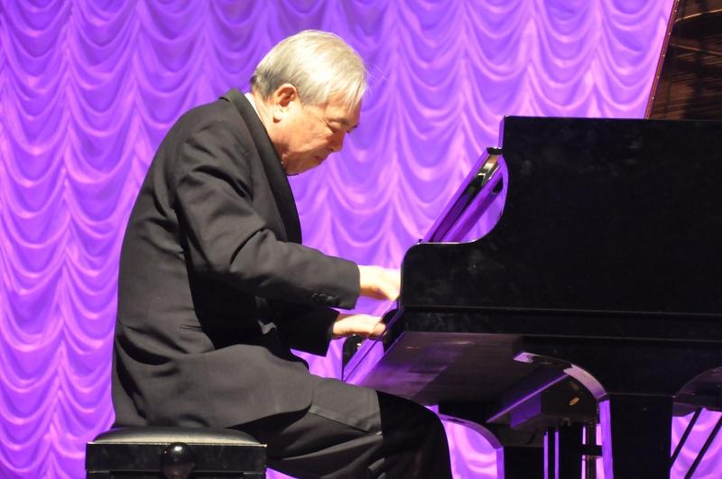 С сольным концертом в Биробиджане выступил пианист из Южной Кореи