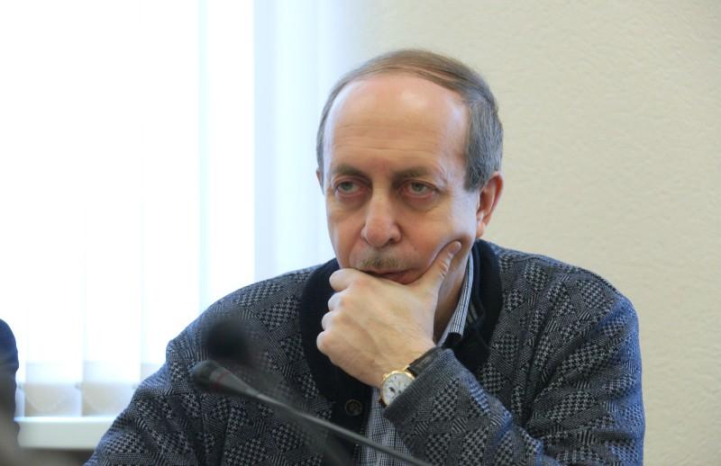 Губернатор Левинталь предложил сокращаемым рабочим теплоозёрского цемзавода шить спецодежду
