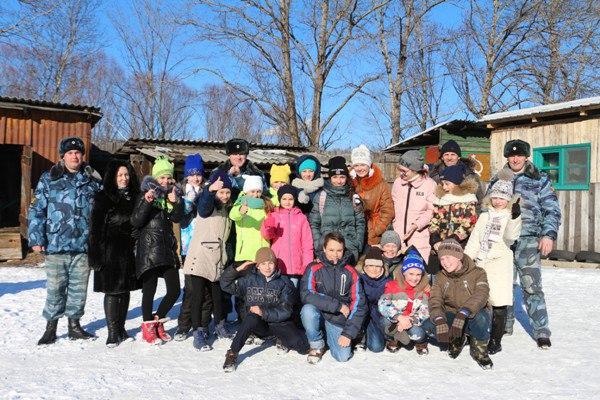 В гостях у кинологов побывали учащиеся биробиджанской гимназии №1