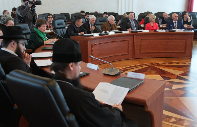 Андрей Бялик: Общественная палата ЕАО продолжает оказывать поддержку социально ориентированным НКО