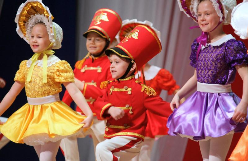 15-летний юбилей отметила отчетным концертом детская школа танца «Сюрприз»