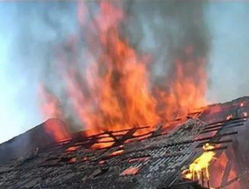 Частный жилой дом сгорел вчера в Теплоозёрске
