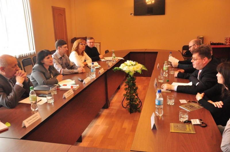 Делегация под руководством атташе по культуре посольства Австрии посетила ЕАО за несколько месяцев до еврейского фестиваля
