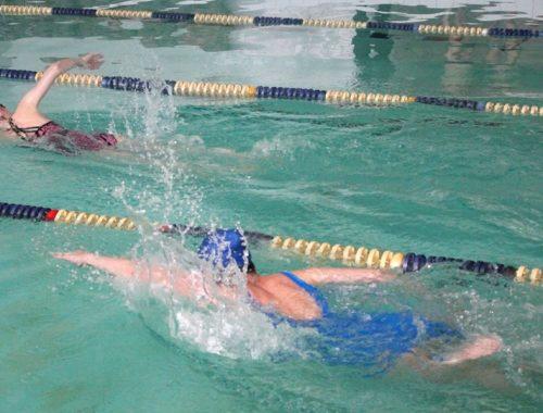 Команда спасателей автономии оказалась лучшей на соревнованиях по плаванию