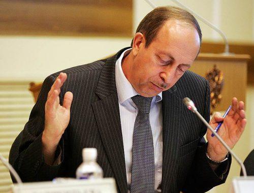 Александр Левинталь не ответил на вопросы Елены Голубь о ликвидации медучреждений, но «позитивно» воспринял поручение президента