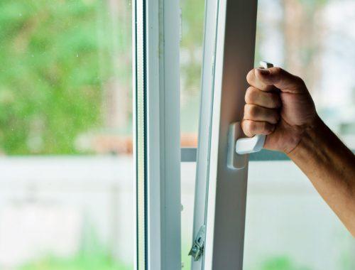 Проникая в дом через окно, житель ЕАО имитировал нарушение подписки о невыезде