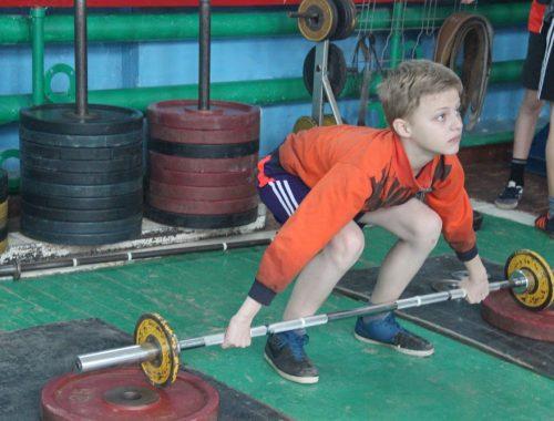 В Биробиджане прошли соревнования по тяжелой атлетике