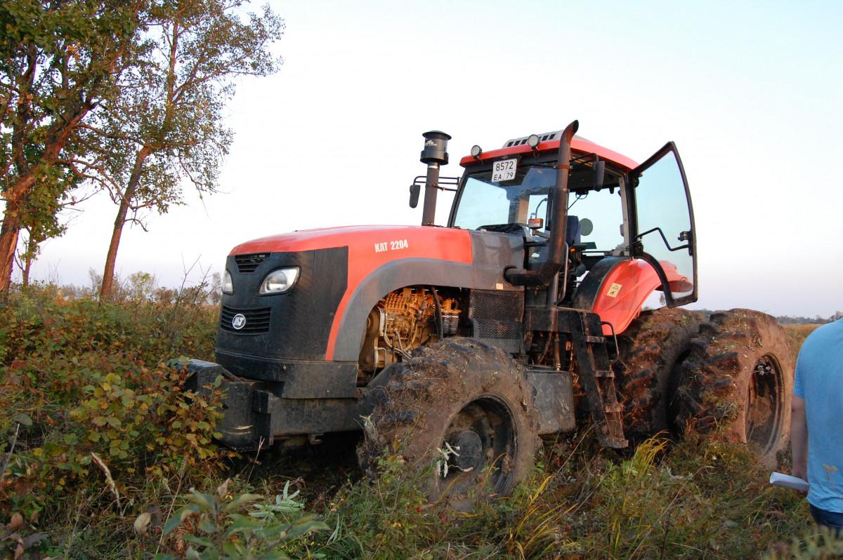 Китаянку оштрафовали за незаконный ввоз тракторов в ЕАО