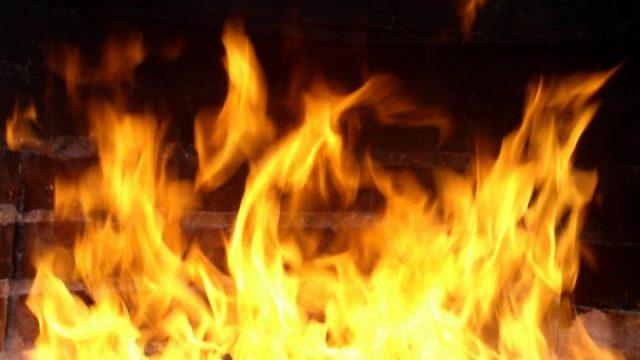 Возгорание вагончика в автотехцентре оперативно потушено биробиджанскими огнеборцами