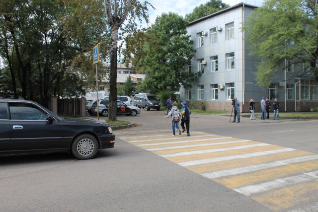 Мониторинг безопасности пешеходных переходов вблизи школ Биробиджана провели активисты ОНФ