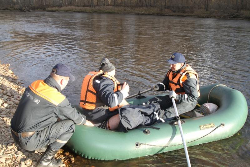 Происшествие на воде: лодка жителя ЕАО перевернулась