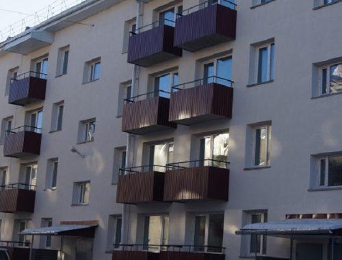 Жители аварийных домов получили долгожданные ключи от новых квартир