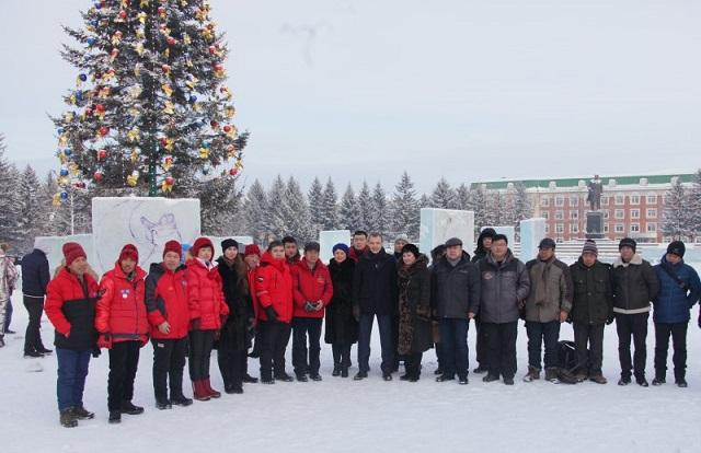 В Биробиджане открылся первый международный конкурс ледовых скульптур