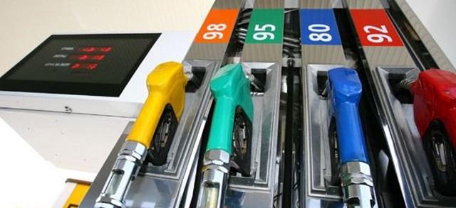 Бензин в 2018 году может подорожать на три рубля