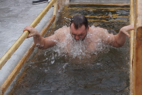 В Биробиджане началась подготовка к празднику Крещения Господня