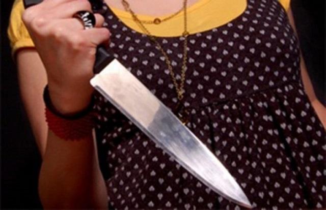 Напала с ножом на сына-подростка жительница ЕАО