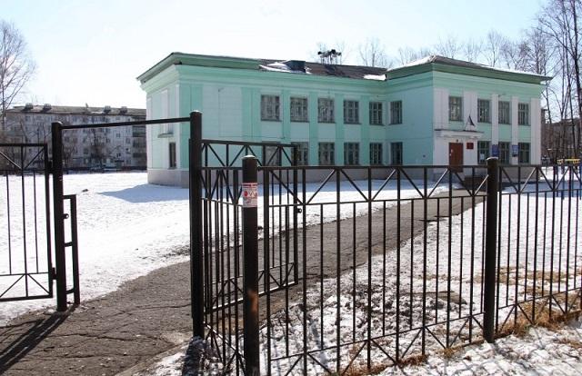 На месте действующей школы № 10 будет построена новая школа на 1000 мест