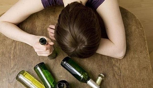В Биробиджане молодую мать-пьяницу привлекли к административной ответственности