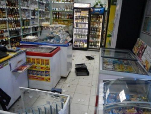 Кидался продуктами и кричал: дебошира задержали в одном из магазинов Биробиджана