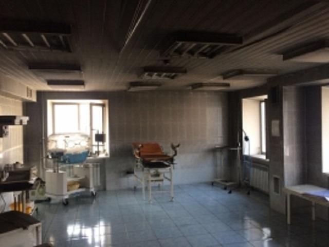 26 человек эвакуировались из-за возгорания в родильном отделении в с. Ленинское