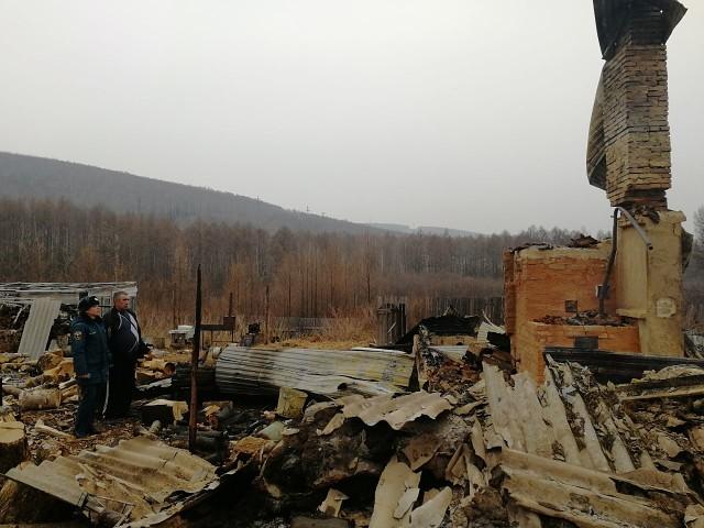 В Облученском районе сгорела почти вся улица Зеленая