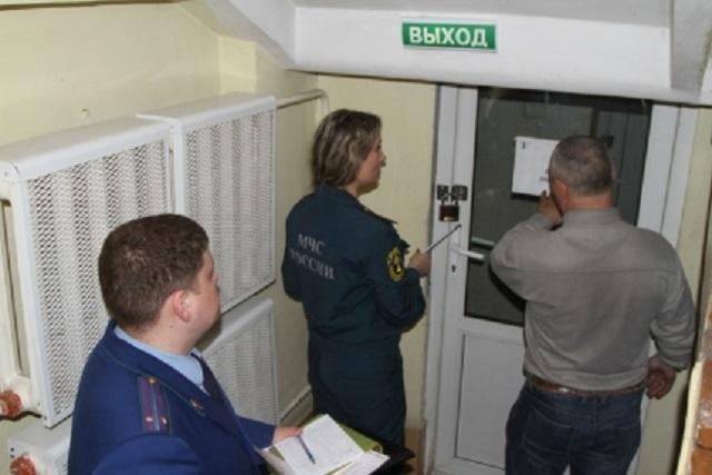 Проверки продолжаются: выявлены нарушения пожарной безопасности в медучреждениях Биробиджана