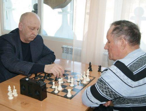 В шахматных баталиях сразились пенсионеры ЕАО