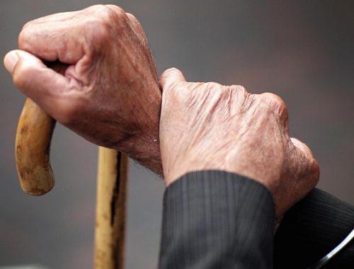 Женщина незаконно вселилась в квартиру 86-летнего биробиджанца