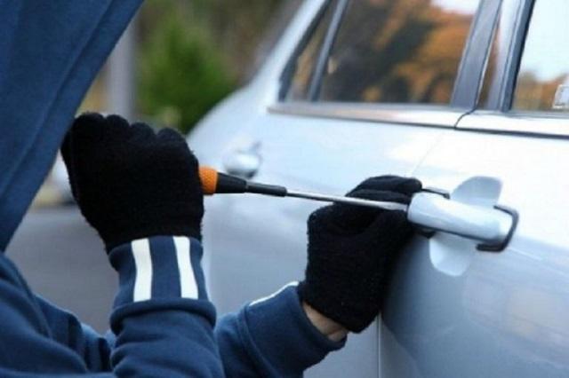 Подростки из ЕАО украли консервы и угнали два автомобиля
