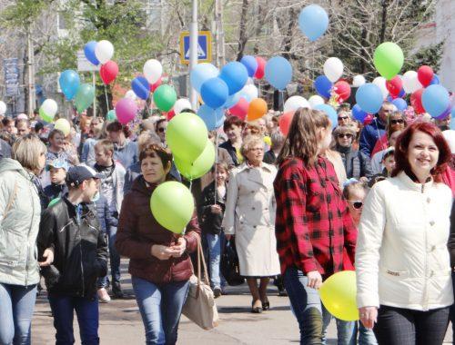 Девять дней будут отдыхать россияне на майские праздники