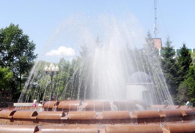 Биробиджанцы празднуют День города