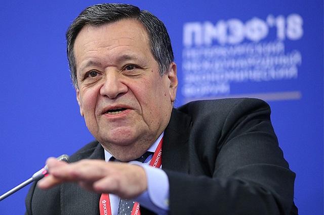 «Система — воровать»: депутат разгромил правительство на Петербургском форуме