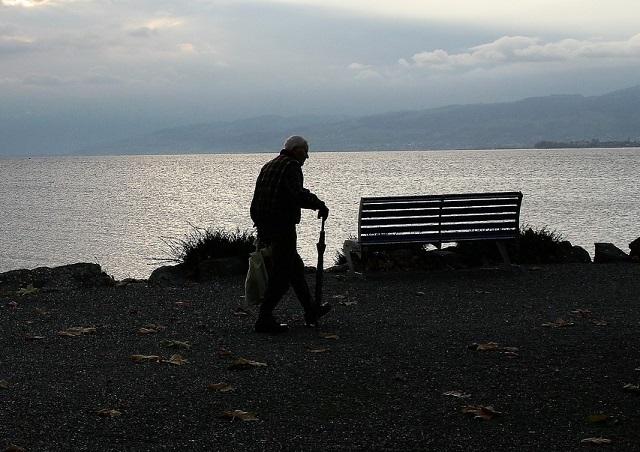 Правительство одобрило законопроекты о повышении пенсионного возраста и НДС