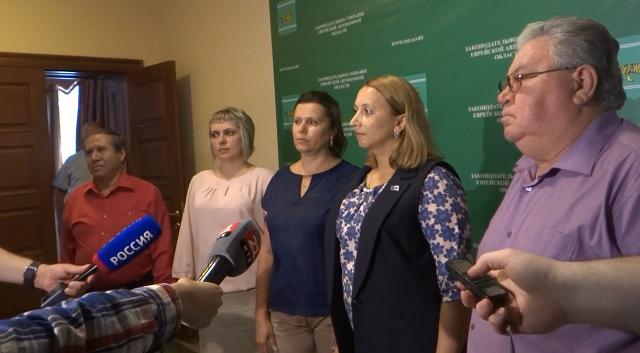 Депутаты-оппозиционеры: «Нас не слышат и не считаются с нами»