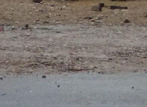 «Камень прорезал подошву обуви»: женщина пожаловалась на состояние дороги в Биробиджане