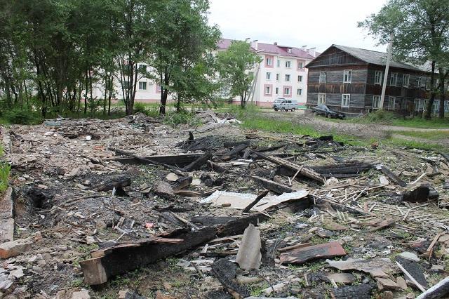 Участки улиц, захламленные строительным мусором, «украшают» Биробиджан