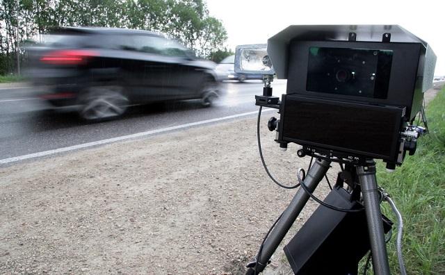 Биробиджанец пытался повредить дорожный радар