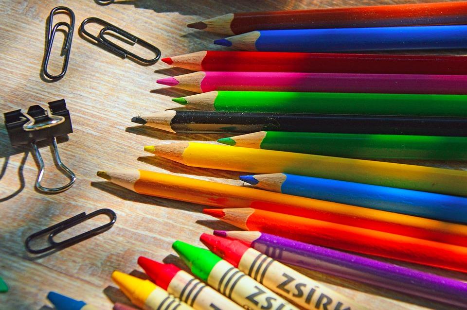 Роспотребнадзор запустил горячую линию по качеству школьных товаров