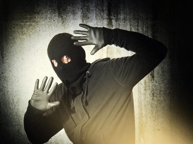 Задержан подозреваемый в краже кабеля из ангара РЖД