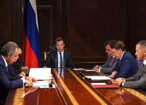 Правительство РФ не поддержало законопроект о наказании чиновников за оскорбление россиян
