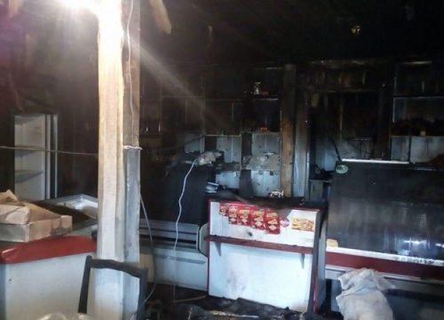 Сильно пострадал из-за пожара продуктовый магазин в ЕАО