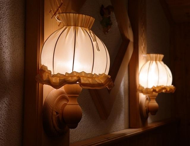 Из-за светильника местные жители чуть не лишились крова