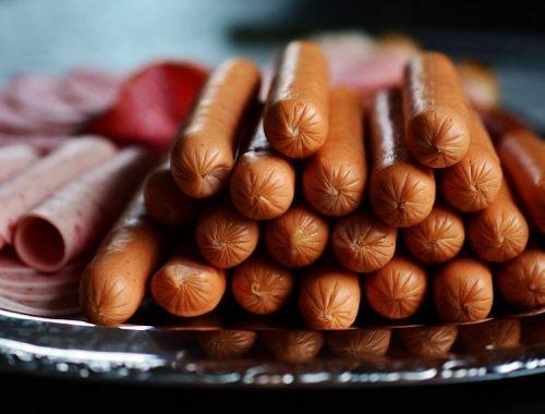 Колбаса и сосиски подорожают на 30%