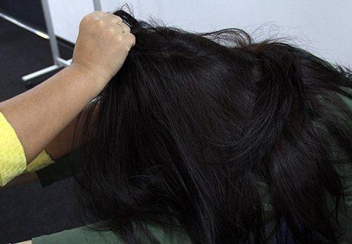 Вырвала волосы, схватила за шею: жительница ЕАО набросилась на сотрудницу полиции