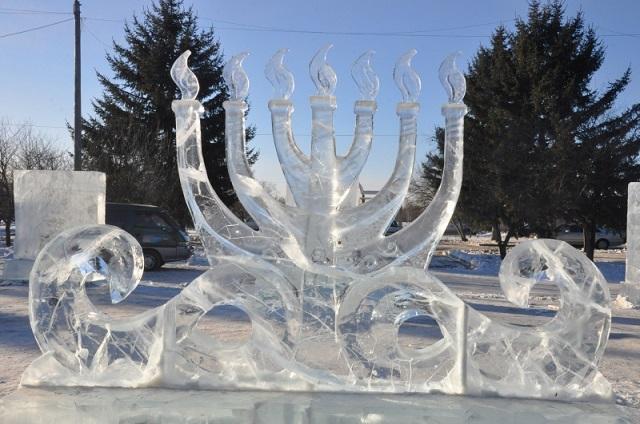 Конкурс ледовых скульптур «Хрустальная менора» начался в Биробиджане