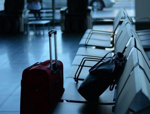 Уехать жить за границу хотят более 40% молодых россиян
