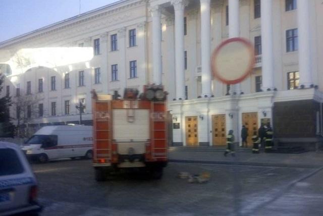 Сообщениями об угрозах взрыва терроризируют Хабаровск и Сахалин