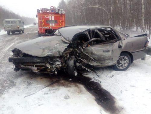 Два автомобиля «сошлись» в лобовом столкновении в ЕАО