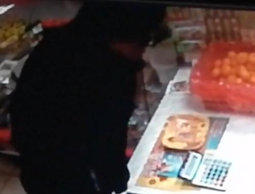 Биробиджанец ограбил продуктовый магазин