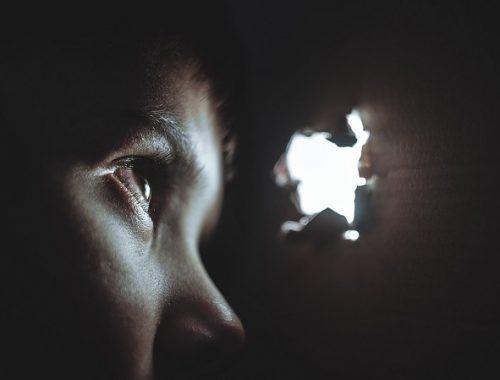 Житель ЕАО втянул ребенка в преступление